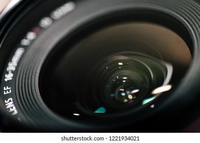 EF Lens in black