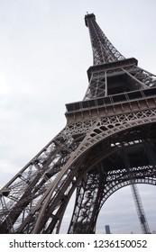 effel tower under