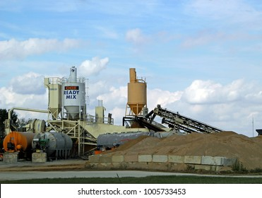 EFFINGHAM, IL - OCTOBER 10: CCI REDI MIX Ready Mix Concrete Supplier 2013
