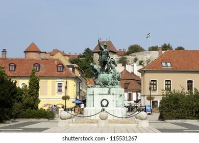 Eger, Dobo square