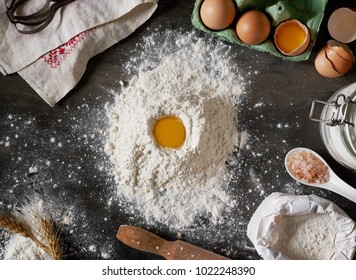 Egg in flour from above