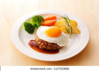 Egg on hamburger Steak