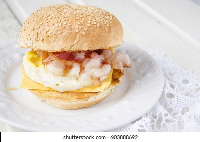 Egg-muffin with bacon