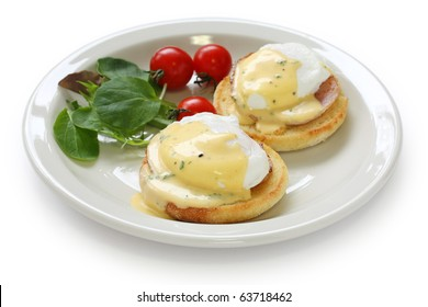 Eggs Benedict , Poached egg on toasted English muffin