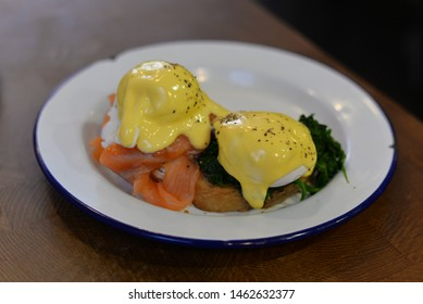 Eggs Florentine, American Breakfast or Brunch