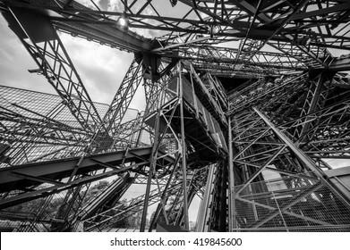 Eiffel Interior Structure, Engineering masterpiece