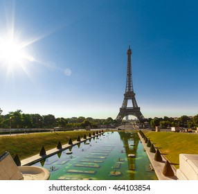 Eiffel Tower and fountain at Jardins du Trocadero. Morning time scene. Paris, France