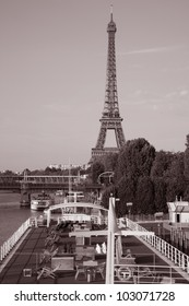 Eiffel Tower on the banks on the River Seine, Paris, France