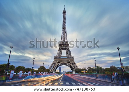 eiffel-tower-view-during-twilight-450w-7