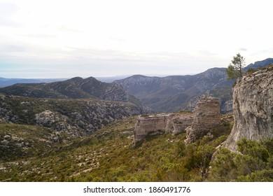 El Mas de Barró route, Los Curullons, Mas de Barberáns, Tarragona, Spain