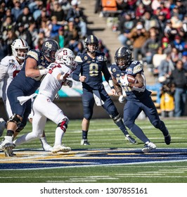 EL PASO, TX – DECEMBER 31.  Pitt's Hall with the ball during the Sanford v Pitt, Hyundai Sun Bowl in El Paso, Texas – 31 Dec 2018