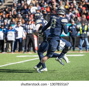 EL PASO, TX – DECEMBER 31.  Pitt's Pickett hands the ball to Hall during the Sanford v Pitt, Hyundai Sun Bowl in El Paso, Texas – 31 Dec 2018