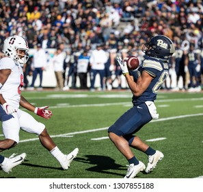 EL PASO, TX – DECEMBER 31.  Pitt's Araujo-Lopes the ball during the Sanford v Pitt, Hyundai Sun Bowl in El Paso, Texas – 31 Dec 2018
