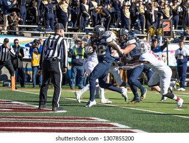 EL PASO, TX – DECEMBER 31.  Pitt's Hall (22) across the line for a touchdown during the Sanford v Pitt, Hyundai Sun Bowl in El Paso, Texas – 31 Dec 2018