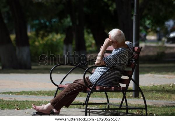elderly-grayhaired-man-summer-clothes-60
