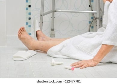 Slip And Fall Images Stock Photos Amp Vectors Shutterstock