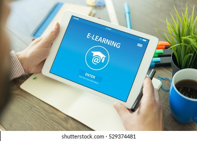 E-LEARNING CONCEPT ON SCREEN