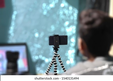 E-learning----WFH(Work from home. Blogger vlogger or teacher teaching through internet ........Phoneography selfie HDR dyi Time, Spent in Nature technical side,challenging exclusivity peace calm free,