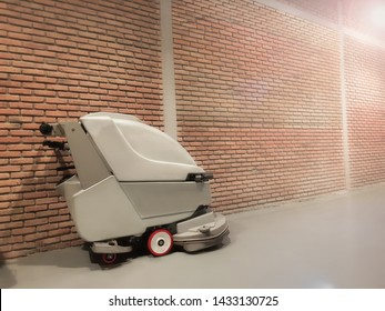 Electric automatic floor scrubber, floor scrubber ready to work.