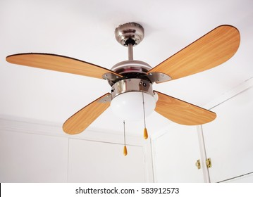 Electric ceiling lamp with propeller, electric installation services