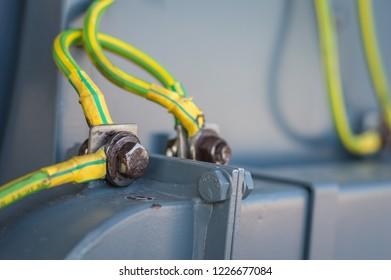 Imágenes, fotos de stock y vectores sobre Wire Electric ... on