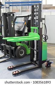 Electric High Lift Pallet Jack Forklift Transport