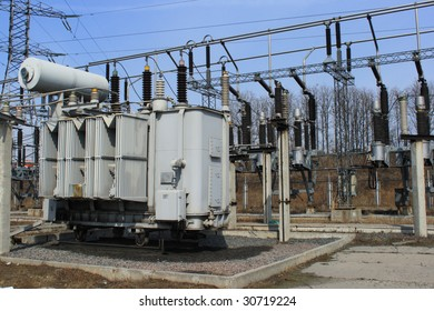 Electric main and big high-voltage transformer