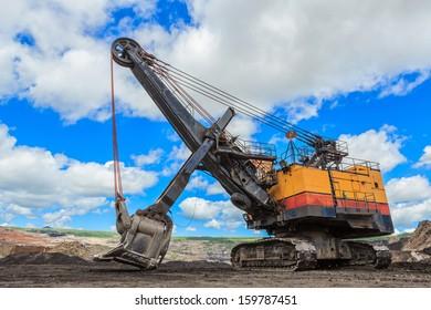 Electric Shovel in Lignite mining THAILAND