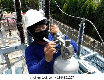 Electrical Preventive Maintenance On Site : Tightening Torque of Bolts at Power Transformer Bushing Termination