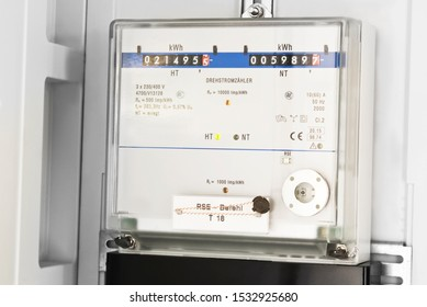 Electricity meters with day and night electricity