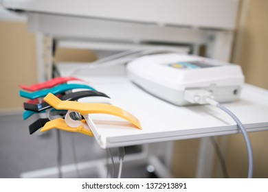 Electrodes for electrocardiograph for ECG recording of the heart