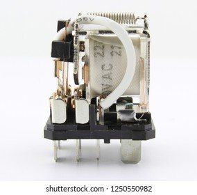 Electromagnetic relay switch