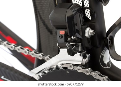 Electronic shifting for road bike. Derailleur.