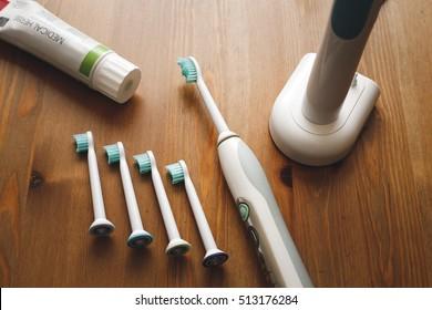 Electronic toothbrush