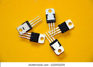 electronic transistors wallpaper