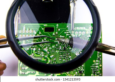 Electronics Repair Tool - Printed Circuit Boards: Soldering Iron, Soldering Station, Magnifying Glass