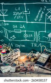 Electronics workshop in school lab