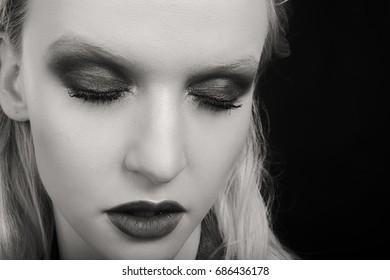 Elegant blonde beauty Photo