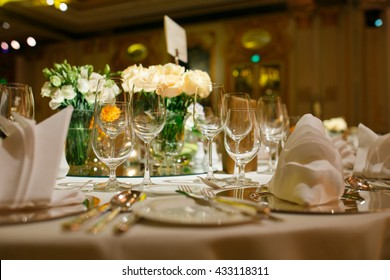 The elegant dinner table.
