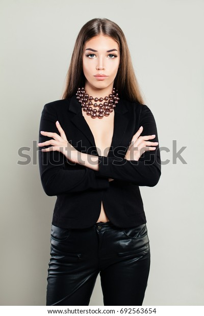 Elegant Fashion Model with Pearls Necklace. Gorgeous Young Woman, Fashion Portrait