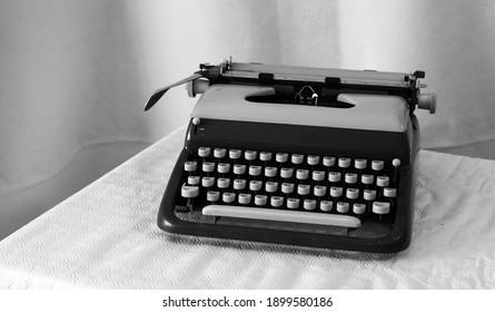 elegant italian portable typewriter 1955