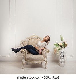 Queen Chair Stock Images Royalty Free Images Amp Vectors