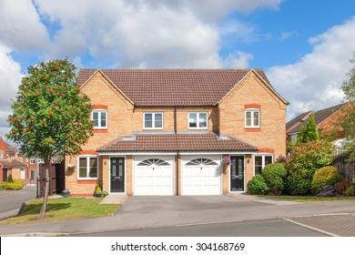 Elegant semi detached house with garage