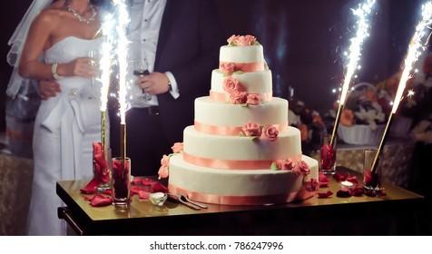Elegant wedding cake during reception
