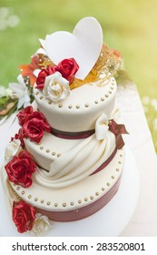 Three Floors Cake Images Stock Photos Vectors Shutterstock