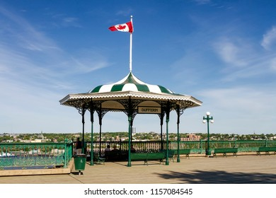 Elegant white and green Victorian pavilion on Dufferin Terrace, near Frontenac chateau