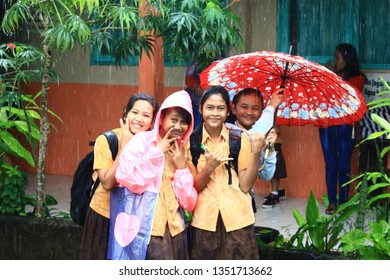 elementary school activity in gunungkidul, indonesia - 5/02/2017