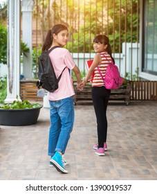 Elementary school students back to school