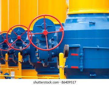 Elemente der Ausrüstung moderner Kompressorstationen