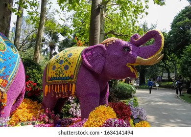 Elephants are made from fresh flowers